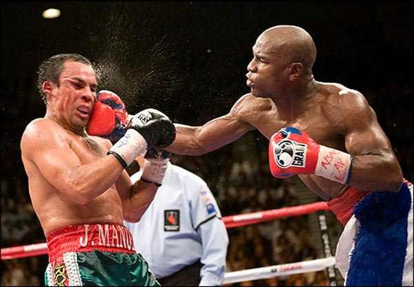 boxing-right-moments-Marquez-Floyd